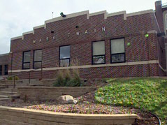 Mark Twain elementary school building central-sioux falls