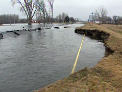 hayti, south dakota, flooding water everywhere! natural gas line #041411