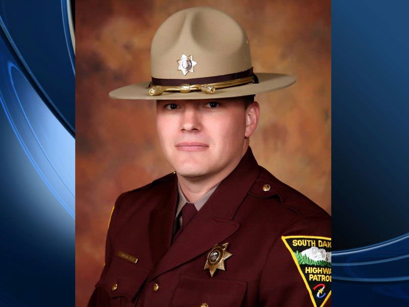 andrew steen south dakota highway patrol trooper hit in chase