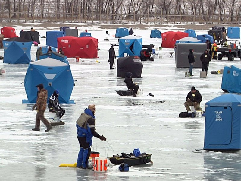 ice fish fest at catfish bay