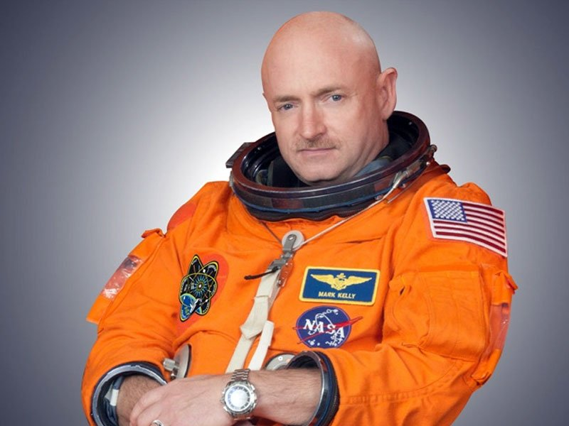 Mark Kelly astronaut Gabby Giffords husband