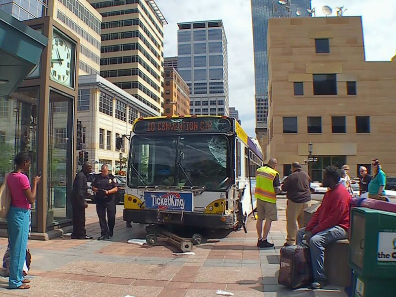 Bus Crash, Minneapolis