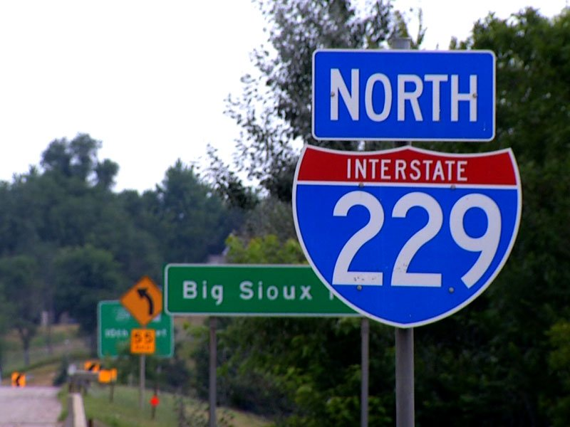 Interstate 229 sign