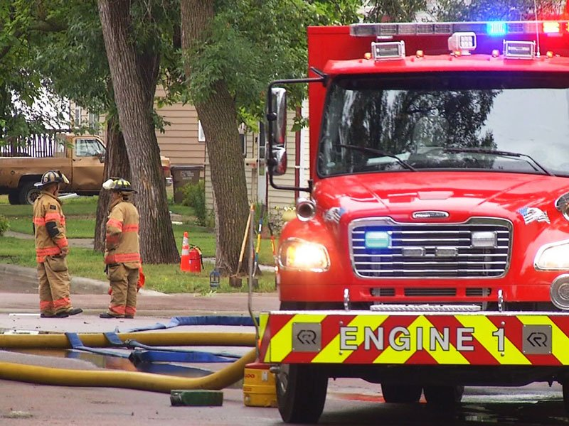 13th and summit sioux falls gas leak fire rescue